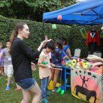 Great Britain Day Out - Alice teaches juggling