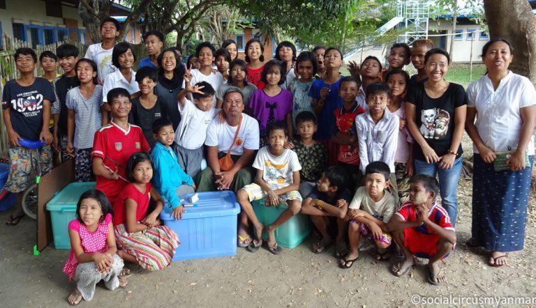 Social Circus Myanmar 2016-17-02107 Yadana with Ko Pho Ke