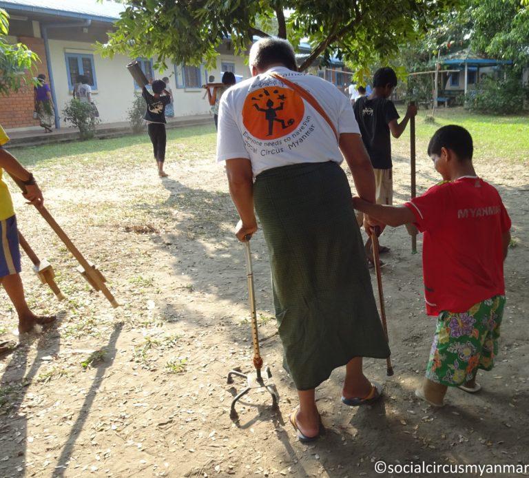 Social Circus Myanmar 2016-17-02110 Ko Pho Ke with Aye Pyum